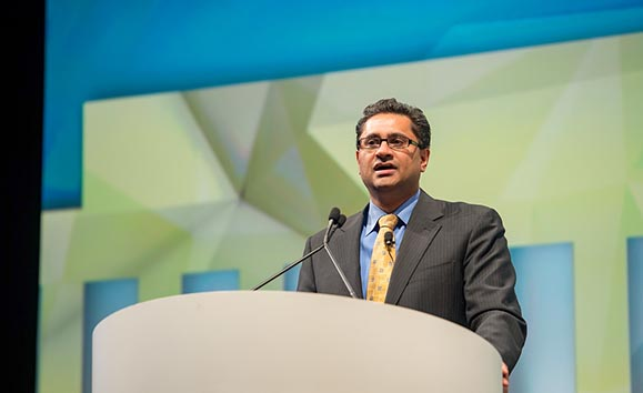 <p>Suresh Vedantham, MD, FSIR, presenting the ATTRACT results at the SIR Annual Scientific Meeting in 2017.</p>